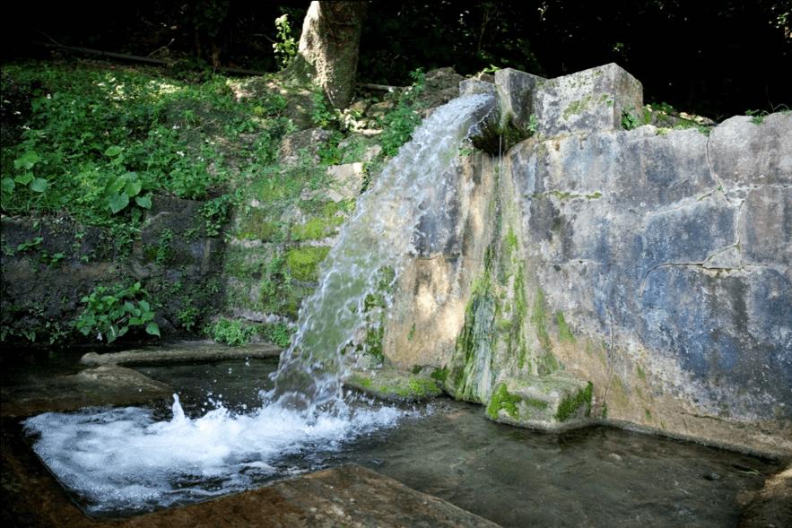 垣花樋川 | 沖縄観光情報ガリンペイロ